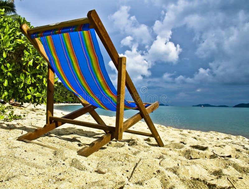 Cama de dia da cor do arco-íris na areia fotografia de stock royalty free