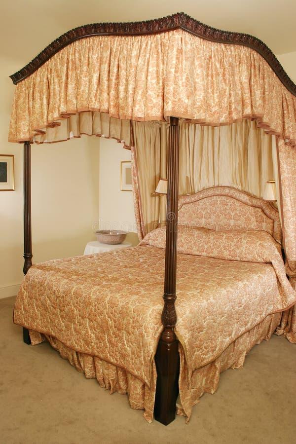 Cama de la cama imperial foto de archivo libre de regalías
