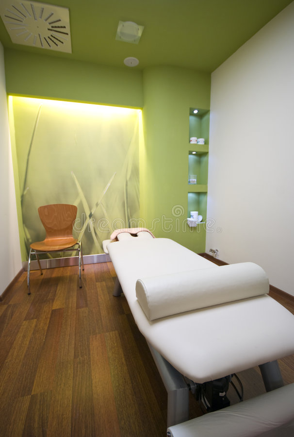 Cama del masaje imagenes de archivo