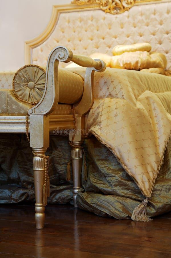 Cama e sofá fotografia de stock