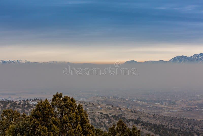 Camada de poluição atmosférica fotos de stock royalty free