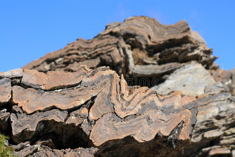 Camadas de sedimentos na rocha imagens de stock