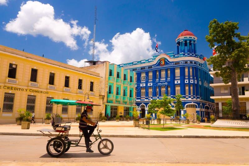 CAMAGUEY, КУБА - 4-ОЕ СЕНТЯБРЯ 2015: Взгляд улицы  стоковое фото