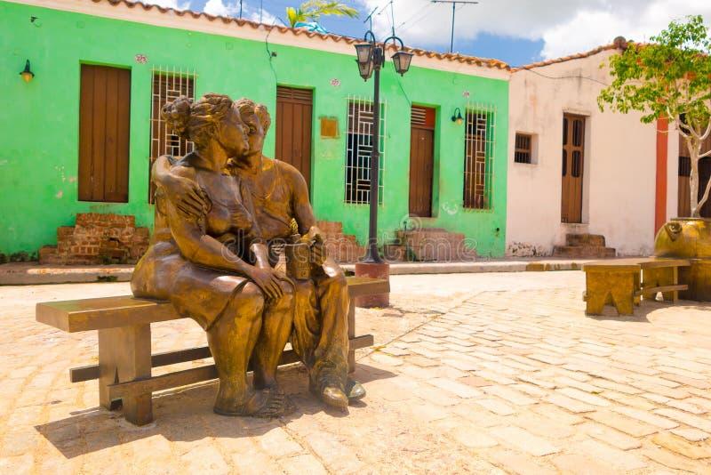 CAMAGUEY, КУБА - 4-ОЕ СЕНТЯБРЯ 2015: Статуи стоковое изображение