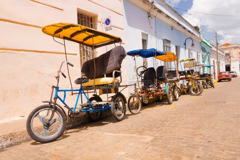 CAMAGUEY, KUBA - 4. SEPTEMBER 2015: bicitaxi ist a lizenzfreies stockfoto