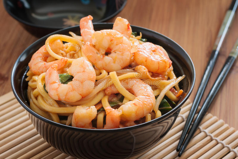 Camarão Chow Mein foto de stock