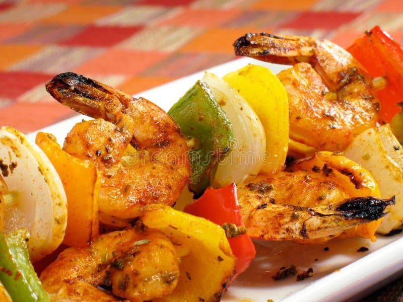 Camarão crepitante Kebabs imagens de stock