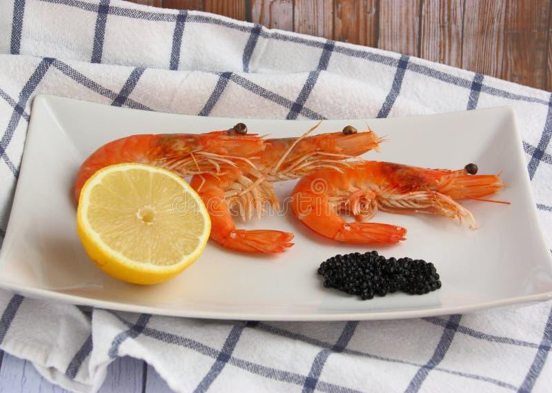 Camarão e caviar imagem de stock royalty free