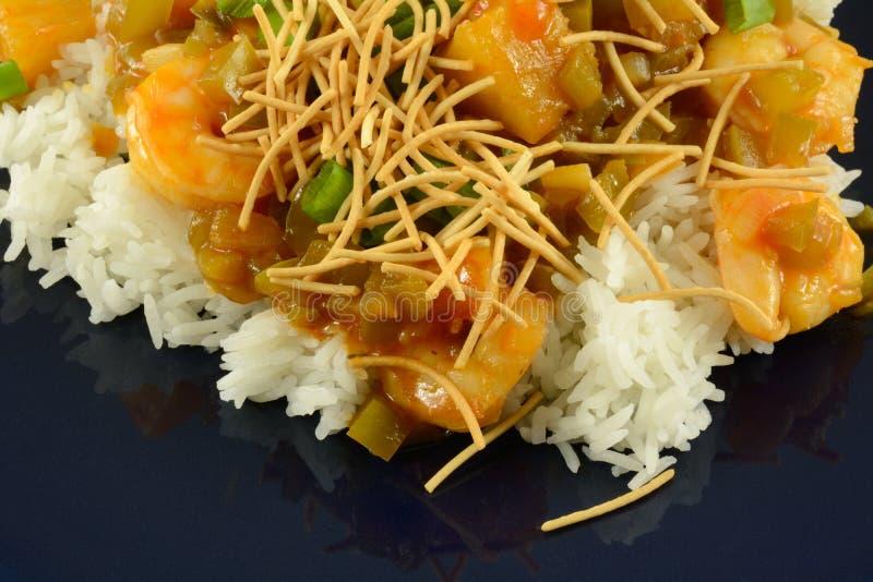 Camarón agridulce en el arroz foto de archivo libre de regalías