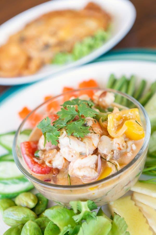 Camarón del Simmer con la verdura en placa Alimento tailandés - fritada #6 del Stir foto de archivo libre de regalías