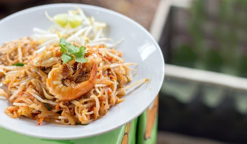 Camarón en menú del padthai imagen de archivo libre de regalías