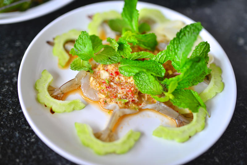 Camarón en salsa de pescados fotografía de archivo libre de regalías