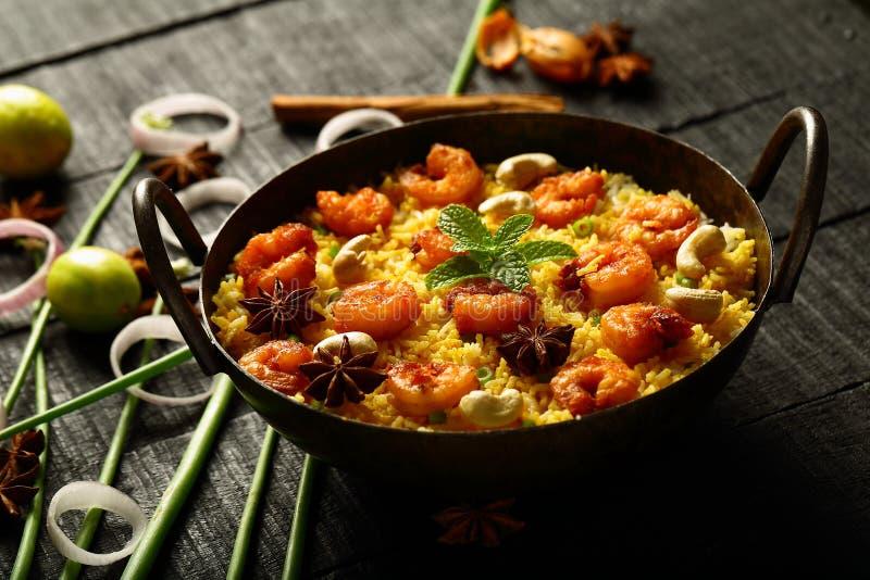 Camarões deliciosos caseiros, biryani do camarão fotografia de stock royalty free