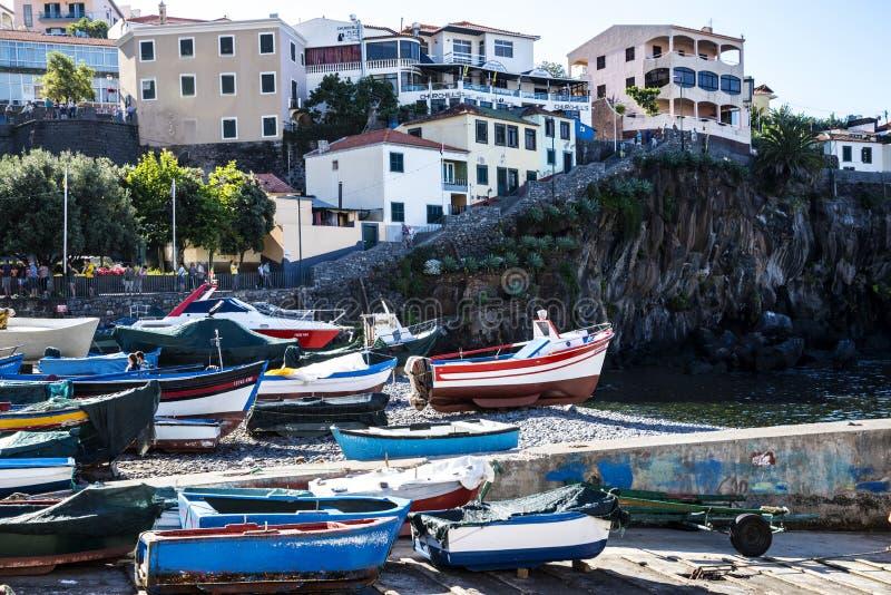 Camara De Lobos jest wioską rybacką blisko miasta Funchal i niektóre wysokie falezy w świacie zdjęcie stock