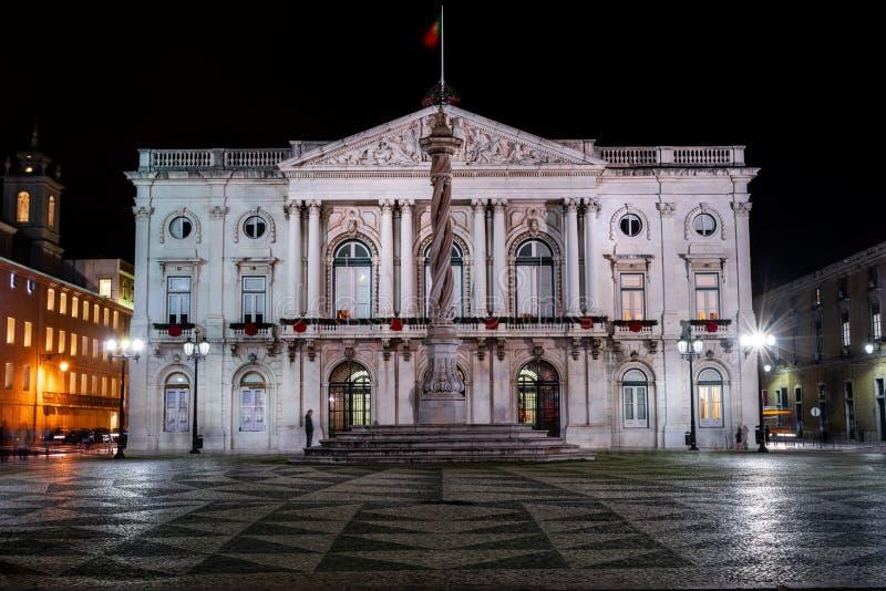 Camara Miejski de Lisboa przy nocą obraz stock