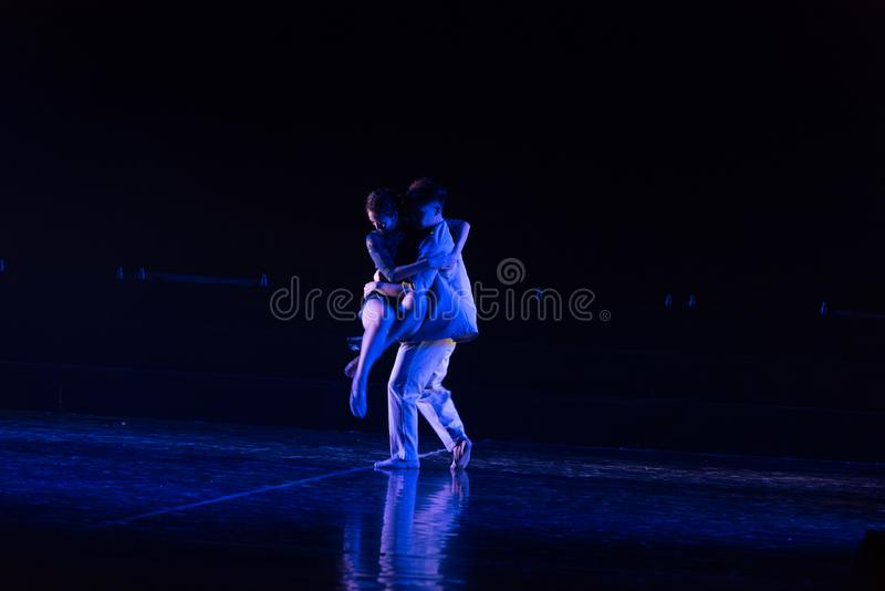 Camarade 7 d'amour--Âne de drame de danse obtenir l'eau images libres de droits