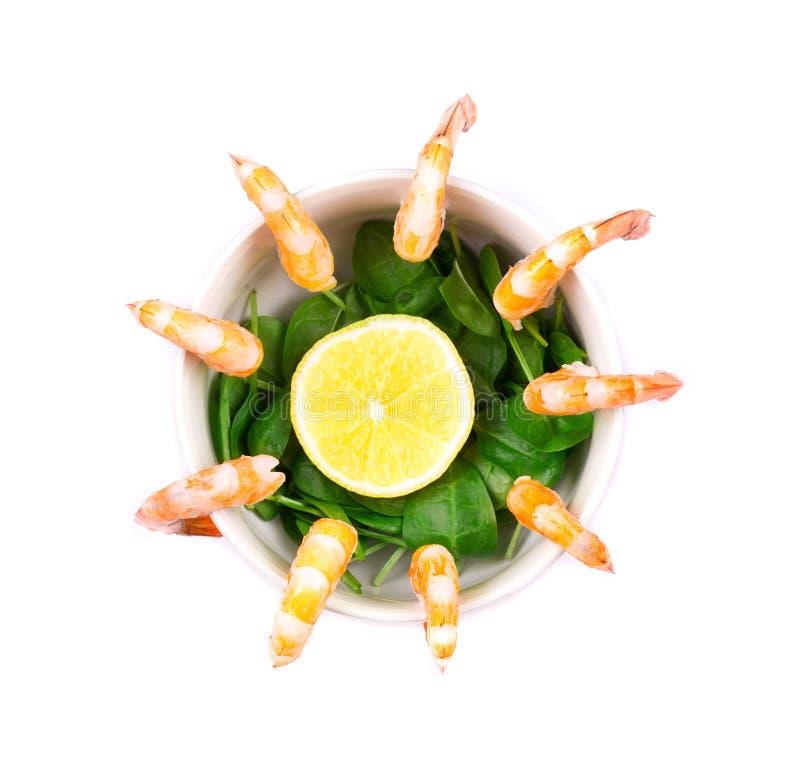 Camarones con el limón fotos de archivo