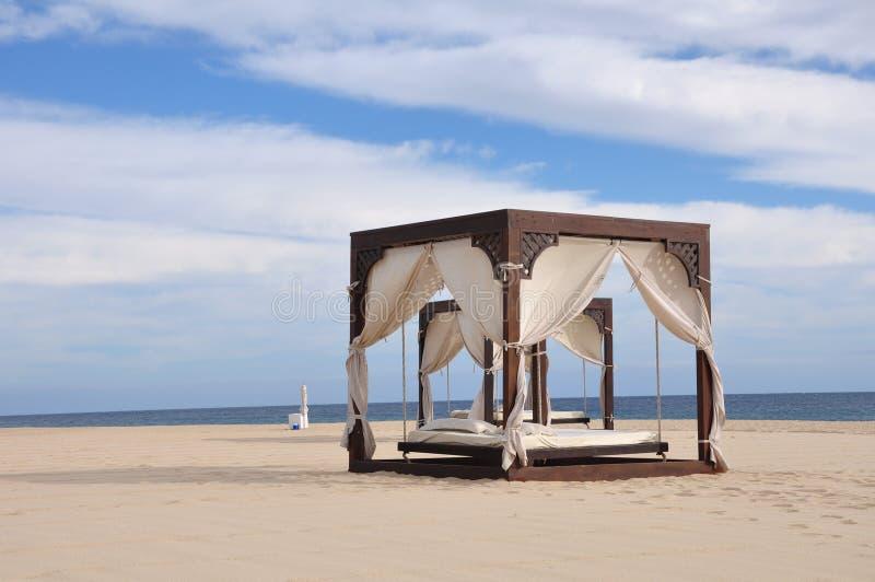 Camas de la playa fotos de archivo