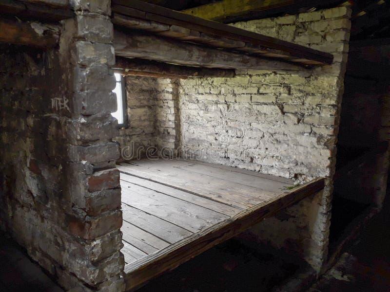 Camas de tres niveles a partir de un cuartel fotografía de archivo libre de regalías