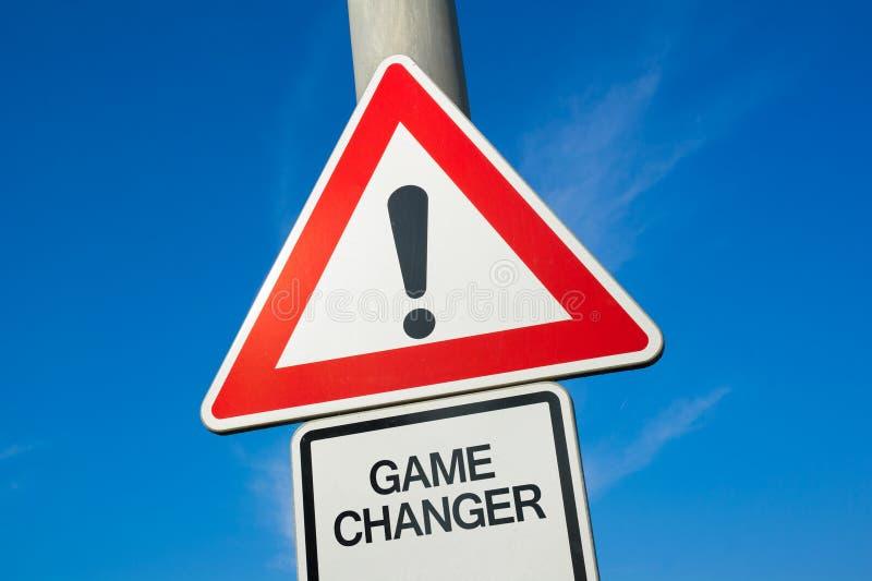 Cambiador do jogo - sinal de tráfego com marca de exclamação alertar, para advertir o cuidado imagem de stock