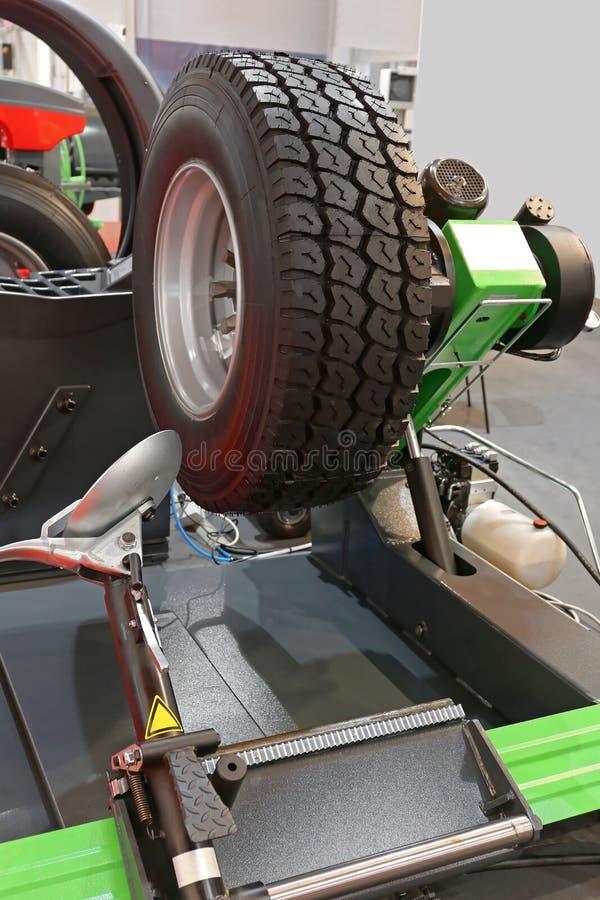 Cambiador do pneu fotos de stock