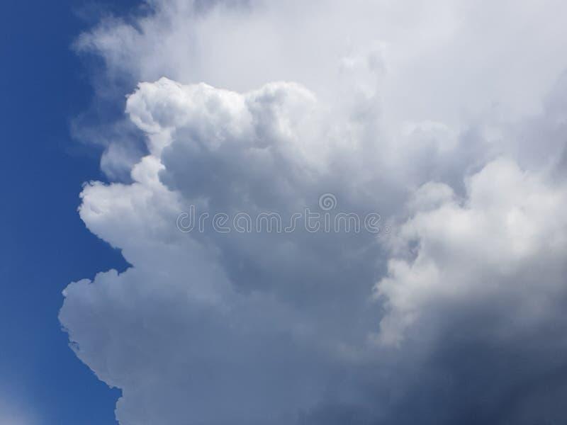 Cambiamento in cielo immagini stock libere da diritti