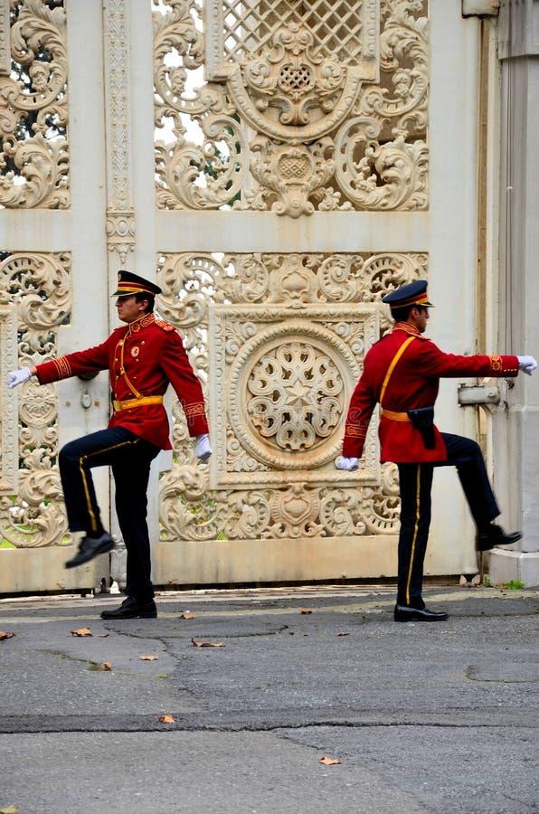 Cambiamento della cerimonia Dolmabahce delle guardie, Costantinopoli Turchia immagini stock