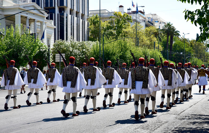 Download Cambiamento Della Guardia A Atene Grecia Immagine Stock Editoriale - Immagine di corsa, storico: 56880789