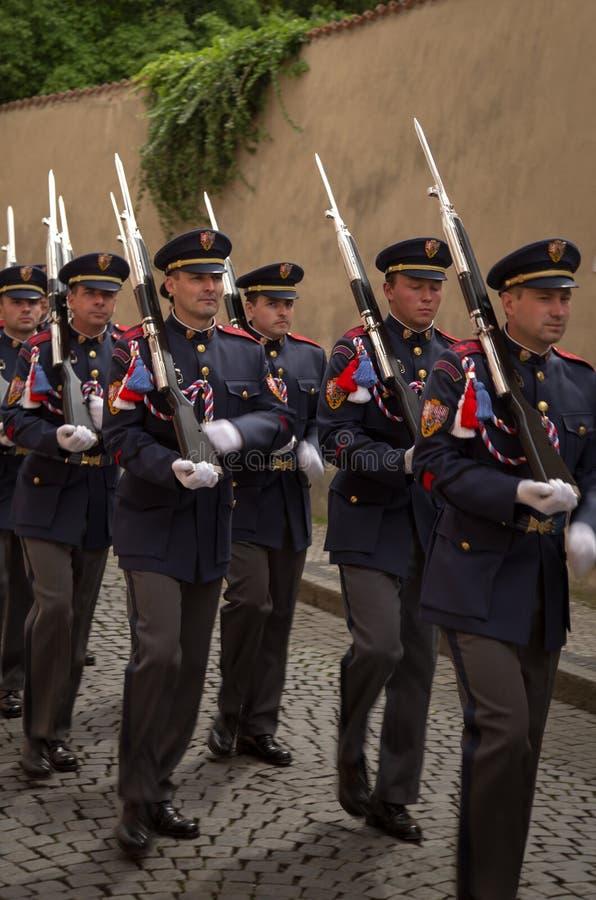 Cambio de Praga del guardia fotografía de archivo