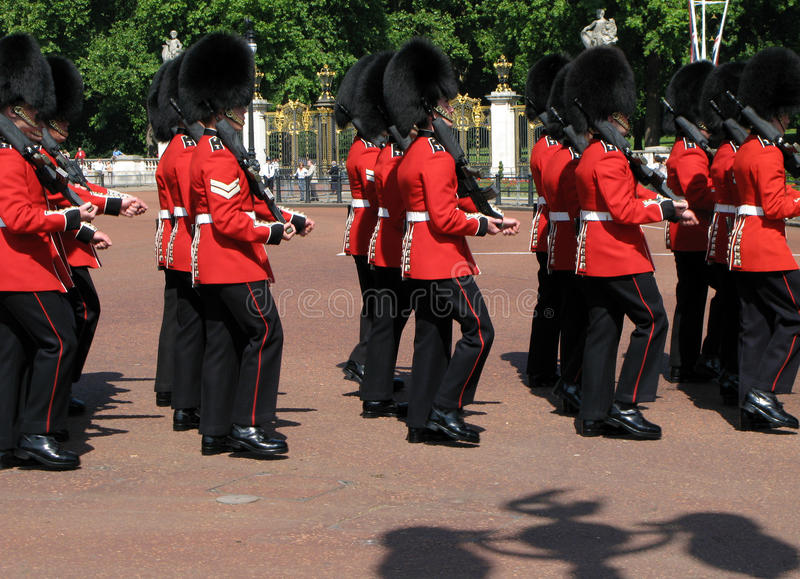 Cambio del Buckingham Palace del protector fotos de archivo libres de regalías