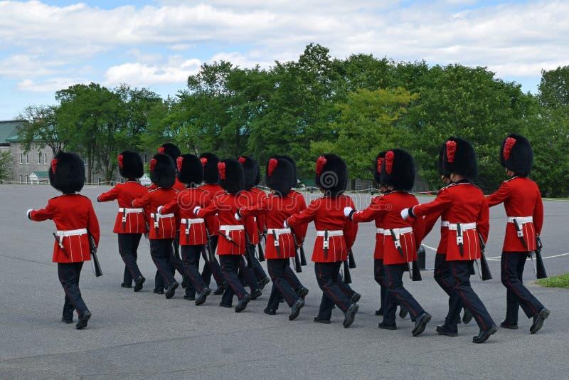 Cambio del guardia en el Citadelle, Quebec imagen de archivo