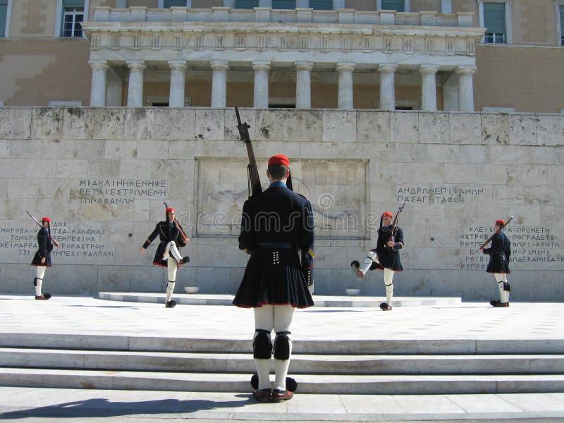 Cambio del protector en Atenas imagen de archivo