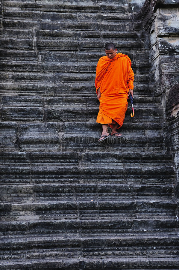 Free Cambodia Angkor Wat With A Monk Royalty Free Stock Photos - 5925218
