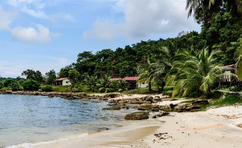 cambodia laguna, spiaggia, sabbia, acqua di mare e giungla immagine stock libera da diritti