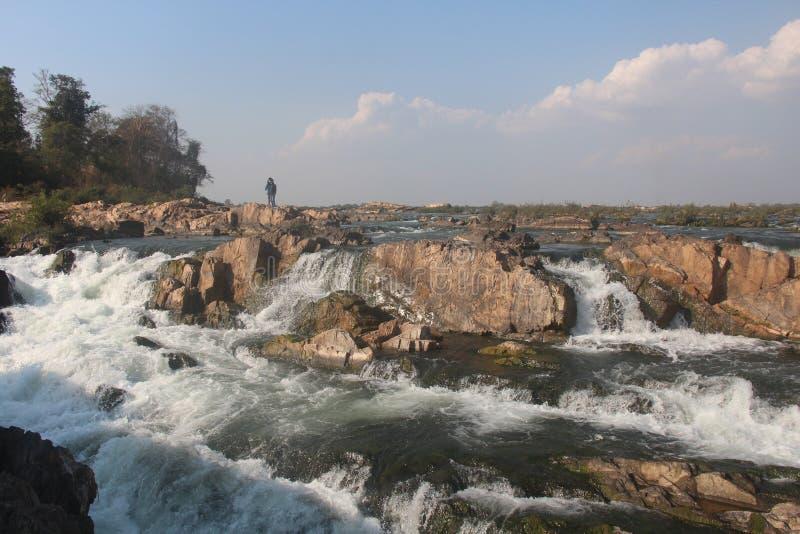 cambodia Mekong River Gränsen med Laos Stucken Treng stad Stuckit Treng landskap arkivbild