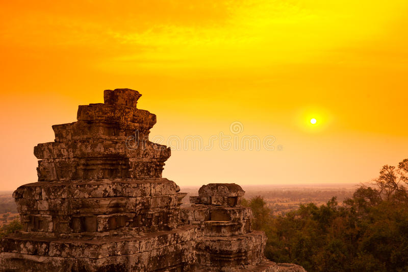 cambodia solnedgång royaltyfria bilder