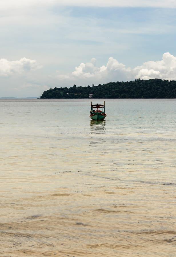 cambodia una vista dalla laguna fotografie stock libere da diritti