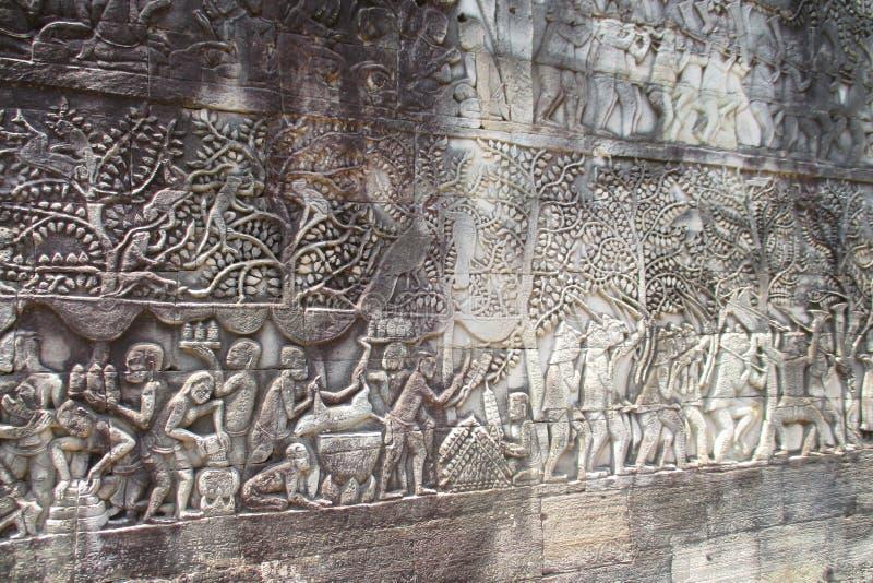 Cambodja Angkor Wat Bayon basreliefstaty av en khmerkultur arkivfoto