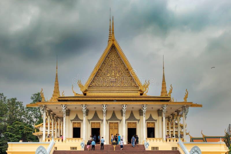 CAMBODJA PHNOM PENH ROYAL PALACE FÖRSILVRAR PAGODEN royaltyfria bilder