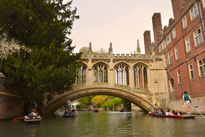 Cambridge bridge over the river Cam. The city of Cambridge is a university city and the county town of Cambridgeshire, England. It lies in East Anglia, on the stock photography