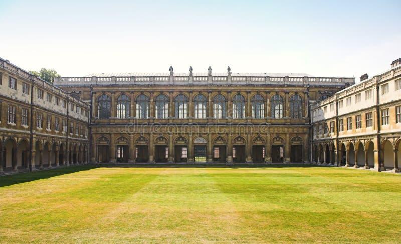 cambridge england universitetar arkivfoton