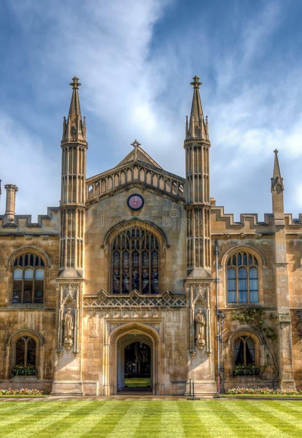 Cambridge, het UK - 27 Maart, 2016: De ingang van de universiteit van Corpuschristus royalty-vrije stock afbeelding
