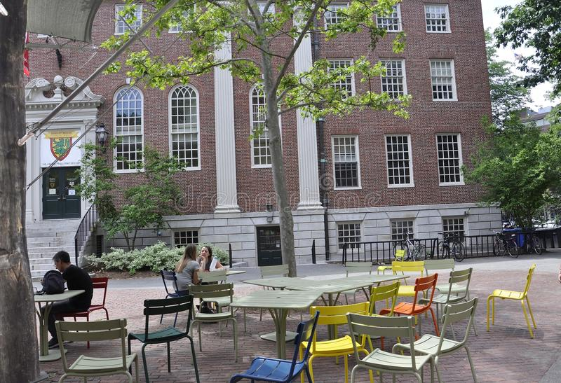 Cambridge MA, am 30. Juni: Lehman Hall Building von Harvard-Campus in Staat Cambridges Massachusettes von USA stockfotos