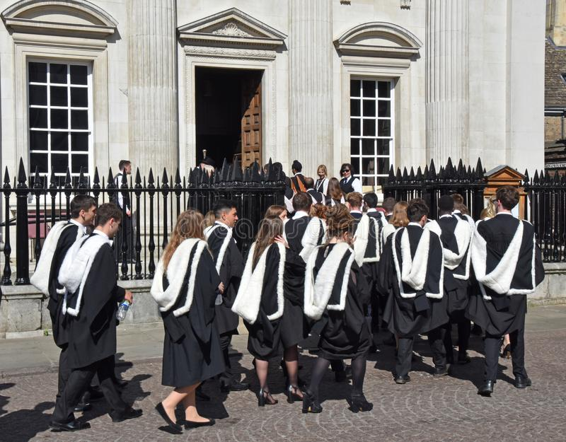 Cambridge UK Czerwiec 27 2018, student uniwersytetu kartoteka w senat fotografia stock
