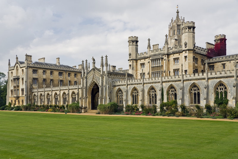 cambridge universitetar royaltyfri bild