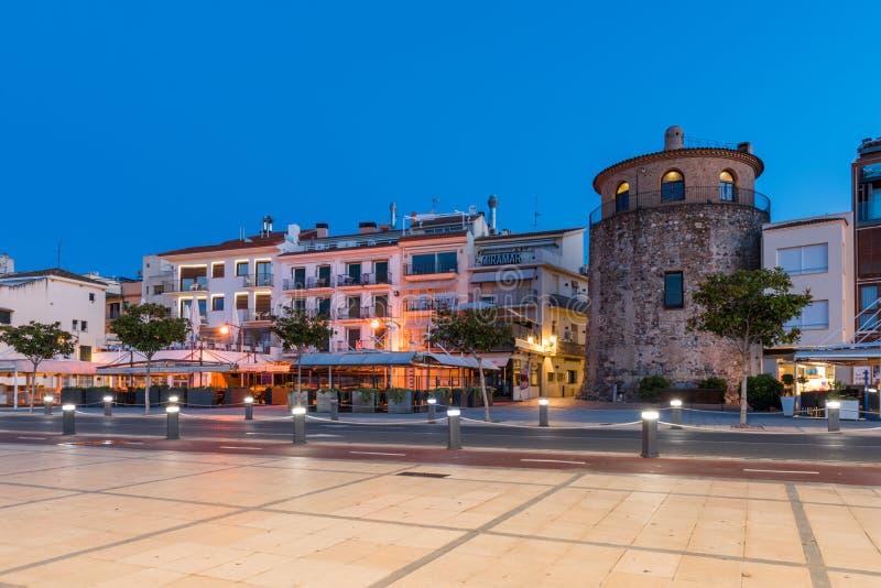 CAMBRILS, SPANJE - SEPTEMBER 16, 2017: Ria DE Cambrils - Torre del Port van Museud ` Hist ` Exemplaarruimte voor tekst royalty-vrije stock afbeeldingen
