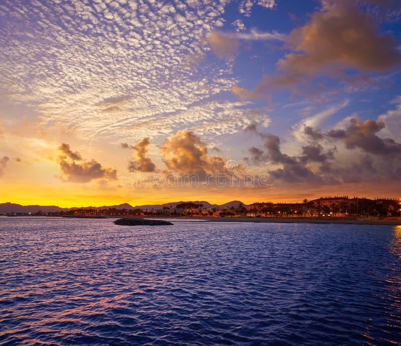 Cambrils-Strandsonnenuntergang in Tarragona lizenzfreie stockbilder