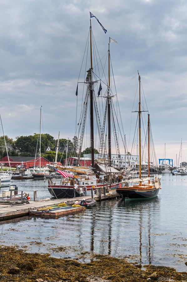 Camden Harbor Anchored Wooden Boats images stock