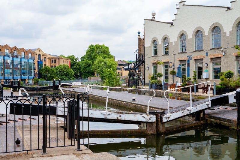 Camden kędziorek Regenta kanał, Londyn, Anglia zdjęcie stock