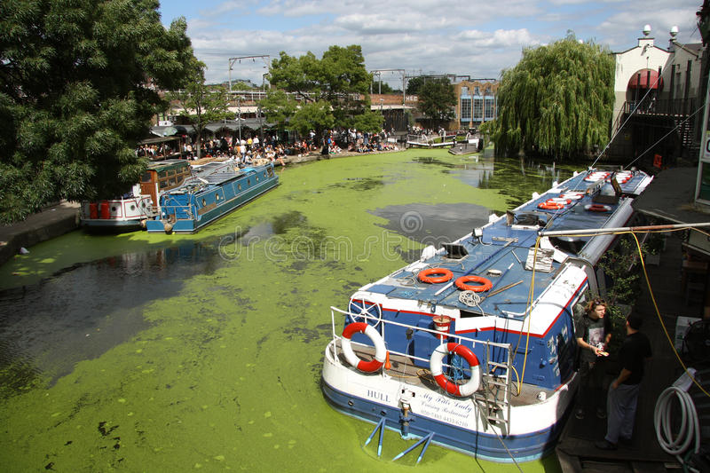 Download Camden Lock, London editorial photography. Image of canals - 32895052